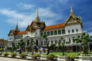 I didn't take this photo...but this is the Grand Palace!