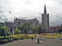 800px-DublinStPatricksCathedral_adjusted